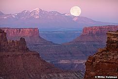 Canyonlands Full Moon 040917 3206