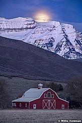 Timpanogos Moonset Barn F033118 8730