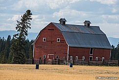 Leaning Red Barn 091415 8880
