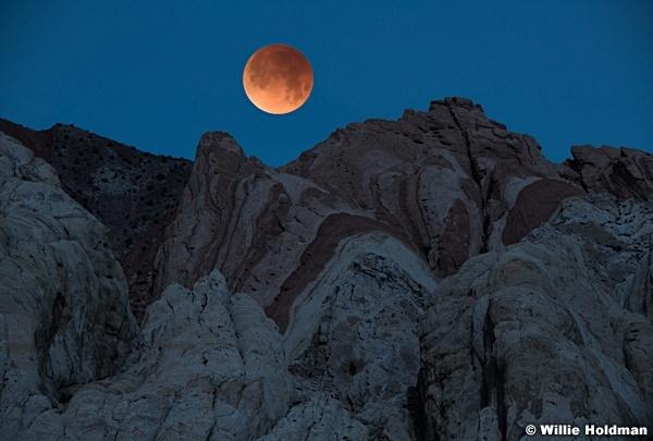 San Rafael Blood Red Moon 1033
