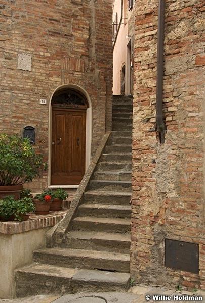 Montepulcianostairs092209 026
