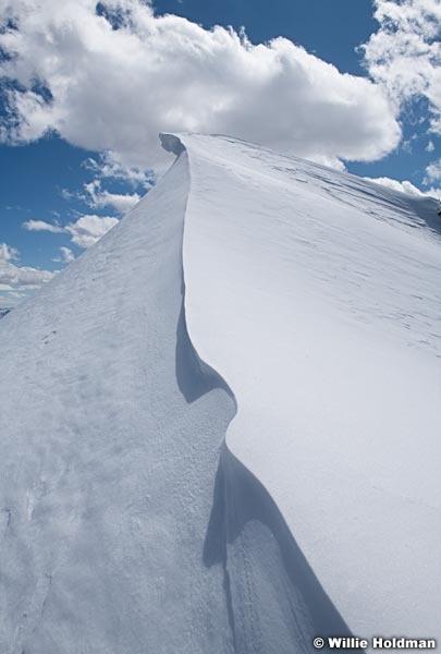 Snow Cornice Cloud 040120 9154